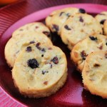Keto cranberry orange shortbread cookies have spot-on flavors for Christmas. The perfect holiday cookie to help you stay on the keto diet. #ketocookies #ketorecipes