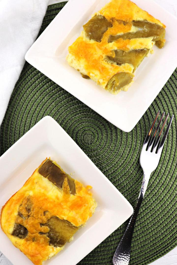 Chiles Rellenos Keto Breakfast Casserole is the perfect low carb brunch dish! Gluten-free with the unmistakeable taste of hatch green chilies and Monterey Jack and cheddar cheese. #ketorecipes #ketobrunch