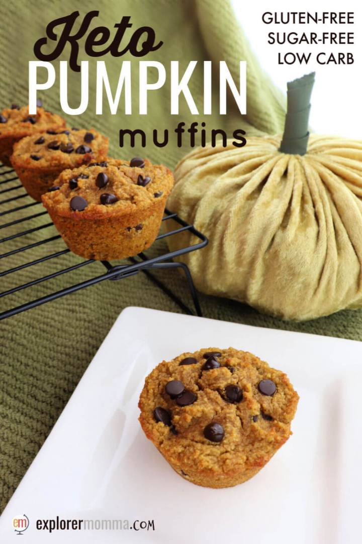 Flavorful keto pumpkin muffins will get your taste buds ready for fall. A delicious low carb breakfast packed with pumpkin spice, cream cheese, and sugar-free chocolate chips. #ketobreakfast #lowcarbmuffins #ketorecipes