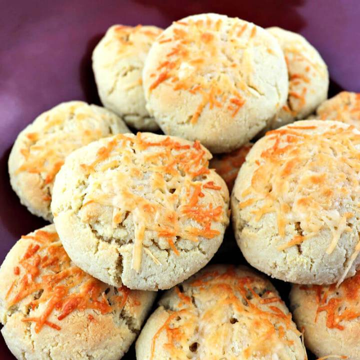 Galic parmesan keto biscuits are full of flavor and a great gluten-free option for holidays or with a low carb soup. #ketobiscuits #ketorolls
