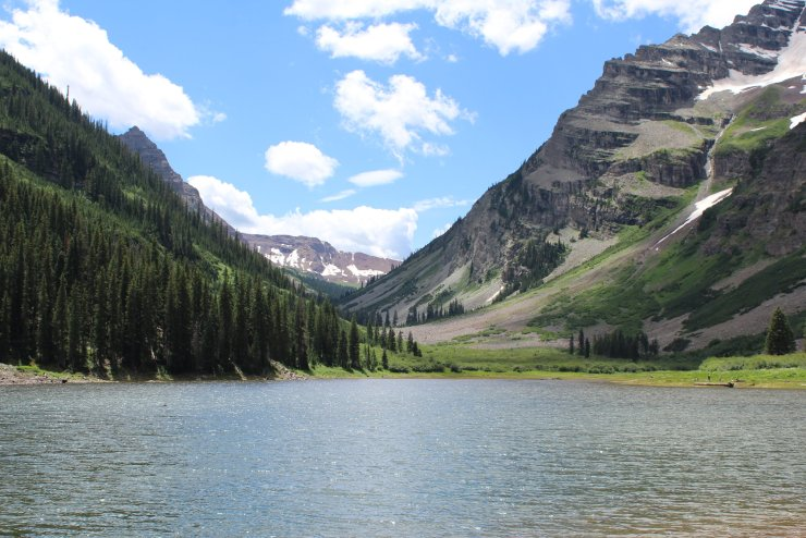 Crater Lake - Marooon Bells-Snowmass Wilderness - White River National Forest