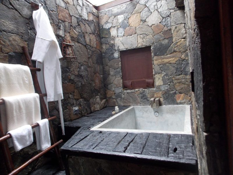 98 Acres Resort Spa Bathroom
