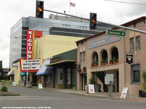 Looking down the street toward Kiggins Theatre