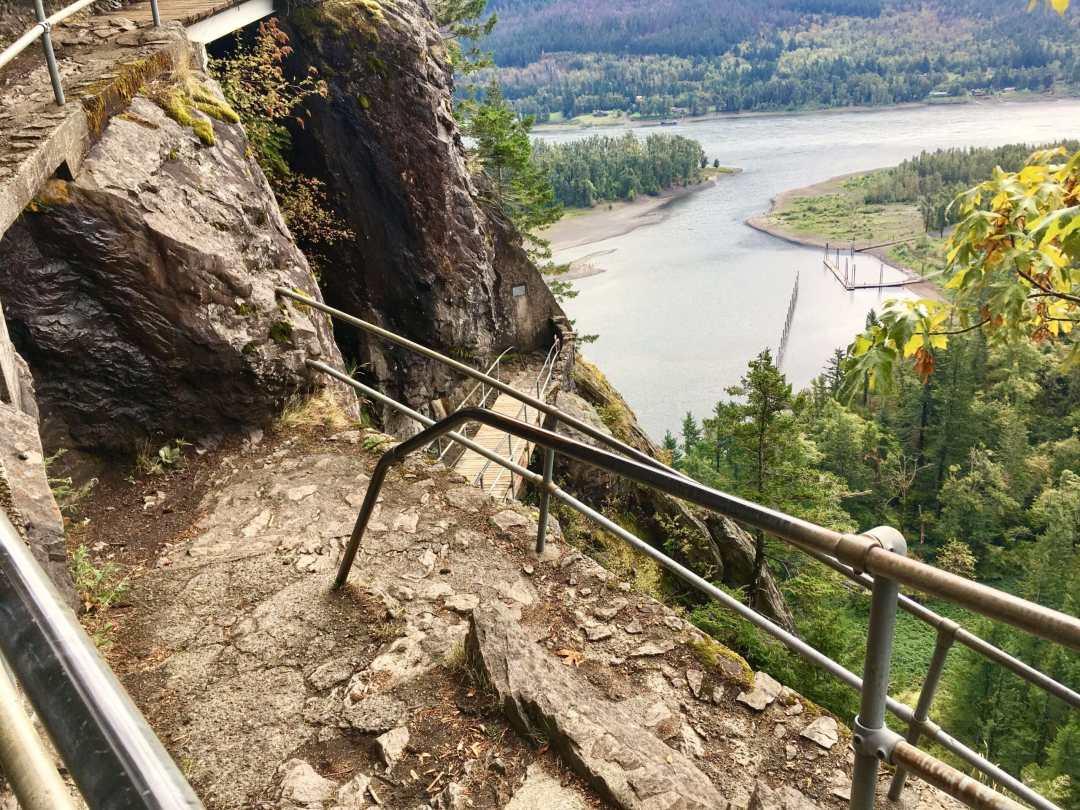 railings-on-beacon-rock