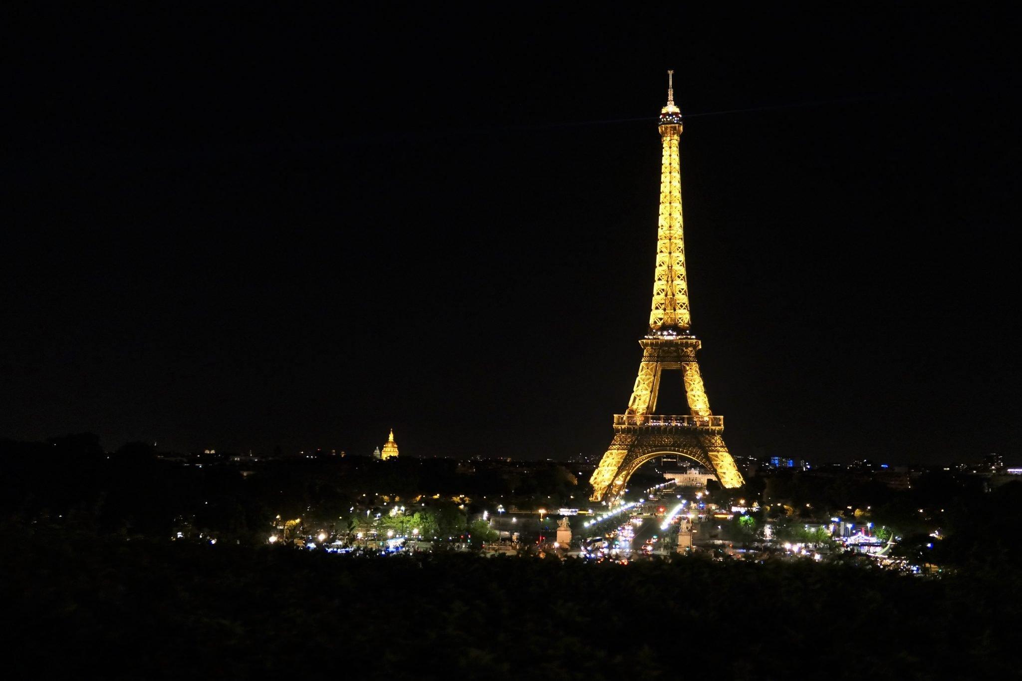 night Eiffel Tower