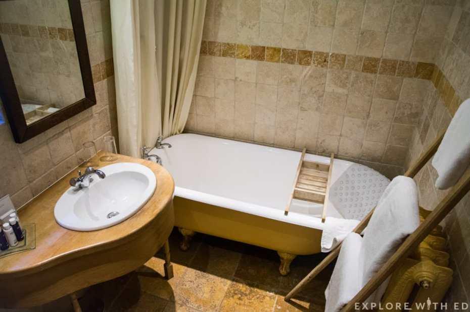 Luxurious country style bathroom at Newbridge on Usk