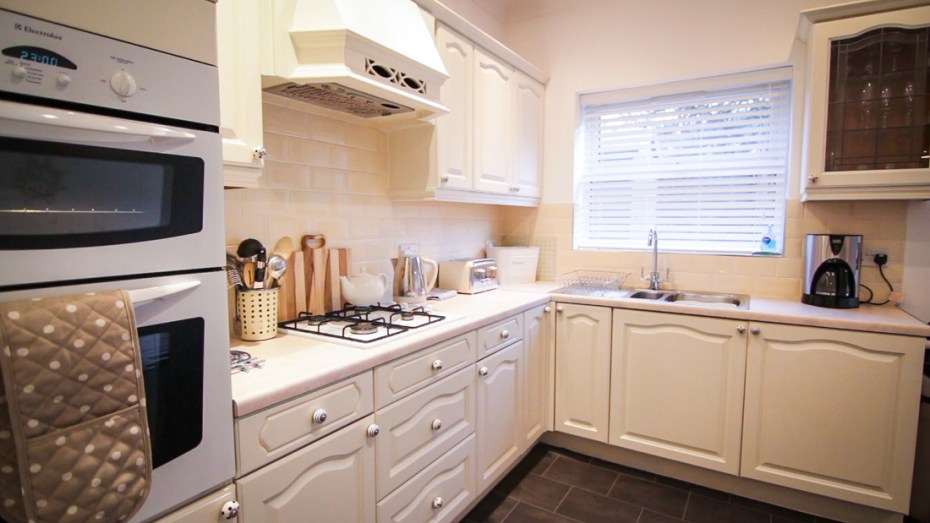 Modern kitchen, home from home Mumbles Swansea
