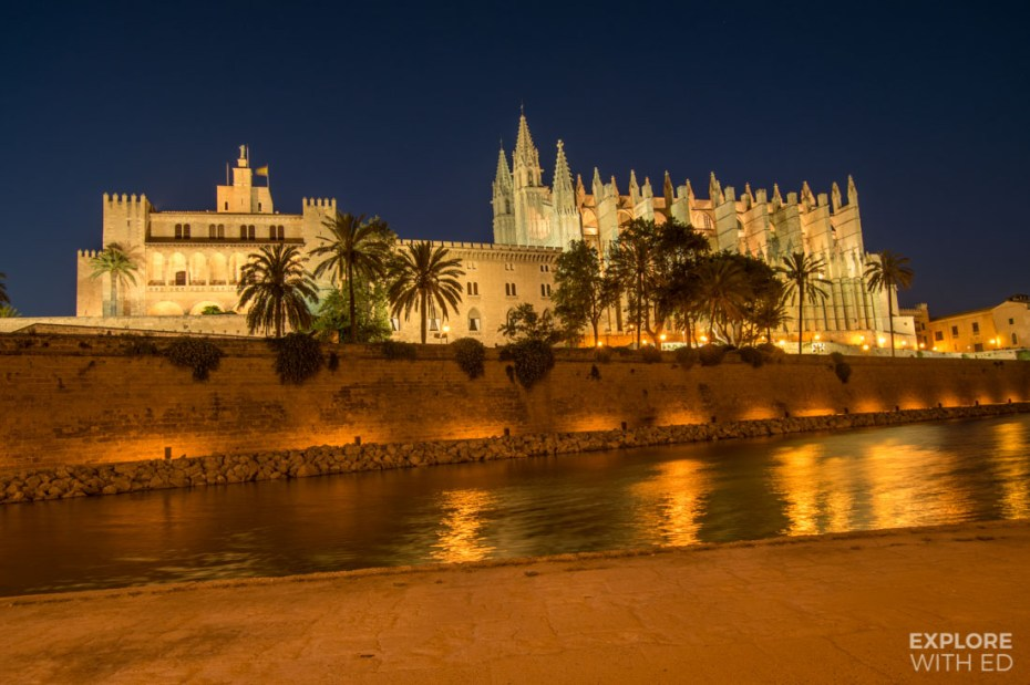 Palma de Mallorca at night