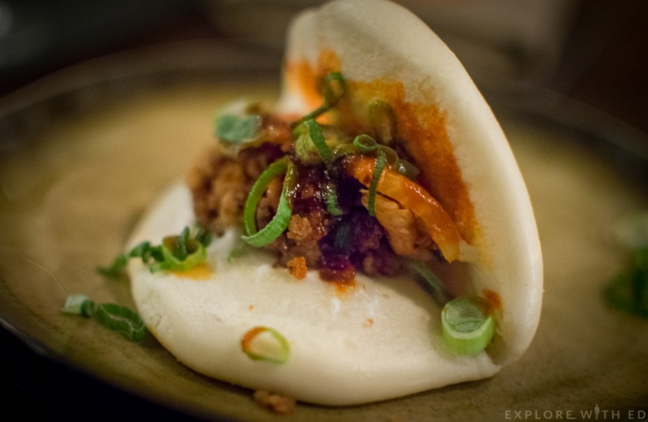 Bao with korean chicken, steamed bun