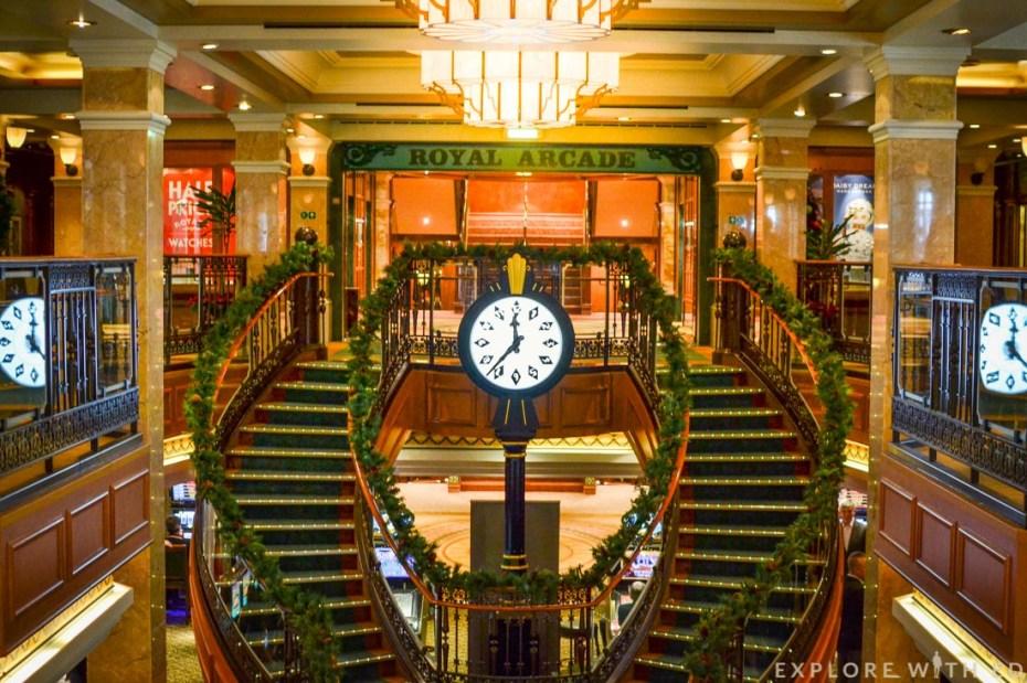 Royal Arcade, Shops onboard Queen Elizabeth, Christmas