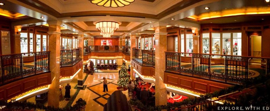 Shopping Arcade, Cunard Queen Elizabeth