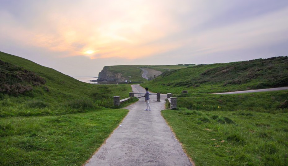 Dunraven Bay coastal walk