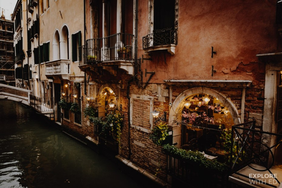 Waterside cafes and places to eat in Venice