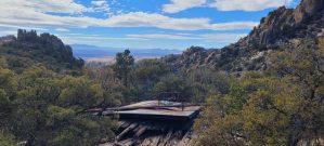 Überreste der Unterkunft an der Mine