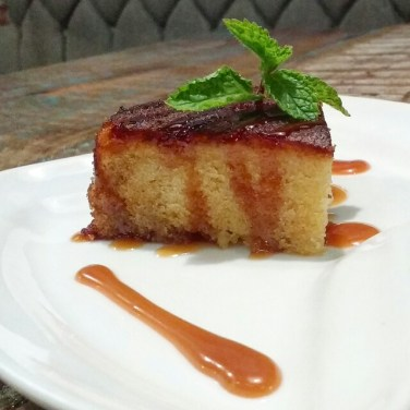 Caramel Cake with Hot Toffee Sauce