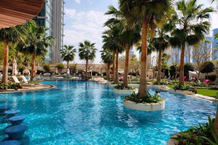 Shangri-La Doha Qatar beautiful pool