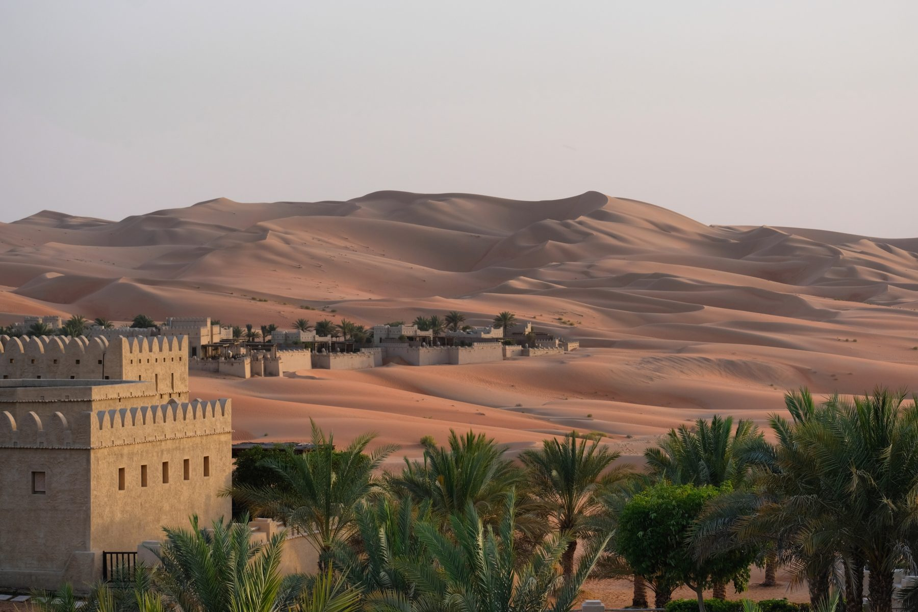 The Most Luxurious Desert Hotel in the World: Qasr Al Sarab