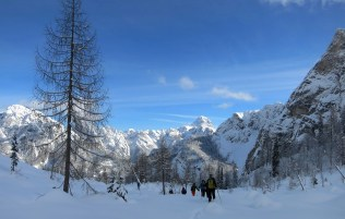 Backcountry skiing in the Valley of Mrzle vode (Valle di Riofreddo)