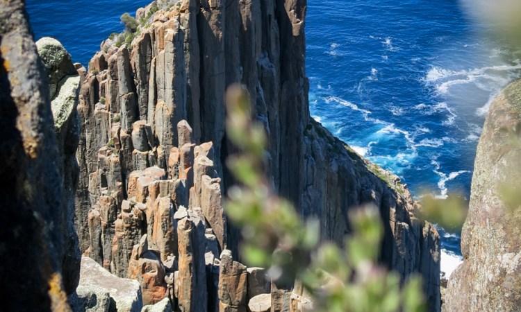 Tasmania, Australia, Geology, Tasman Peninsula, Rocks, Sea columns, sea cliffs, south, antarctica, adventure, travel, blog, geologist, exploring, exploration, dolerite, what rock type is, how did form, ocean, sea, intrusive, extrusive, geomorphology, cape raoul, bush walking, hiking