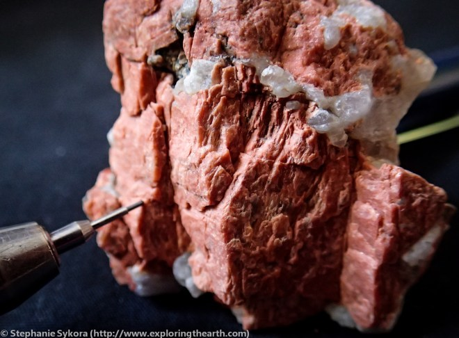 K-feldspar, potasium feldpsar, pegmatite, pegmatic, metamorphic, rock, Larsemann Hills, Antarctica, garnet biotite gneiss, geology, geologist, blog, adventure, exploring the earth