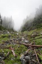 jagged-mountain-hiking-screen-1407