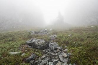 jagged-mountain-hiking-screen-1412