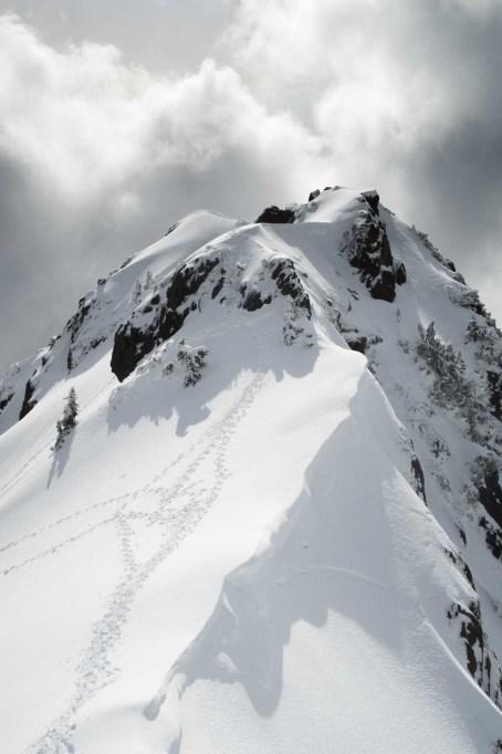 footprints leading to the summit of Canoe Peak
