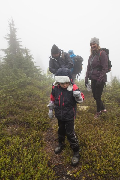hiking through the mists and fog to Gemini Mountain