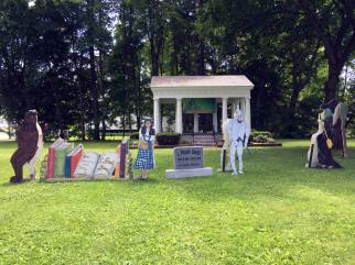 Park Setting with Wizard of Oz Characters in Chittenango, New York