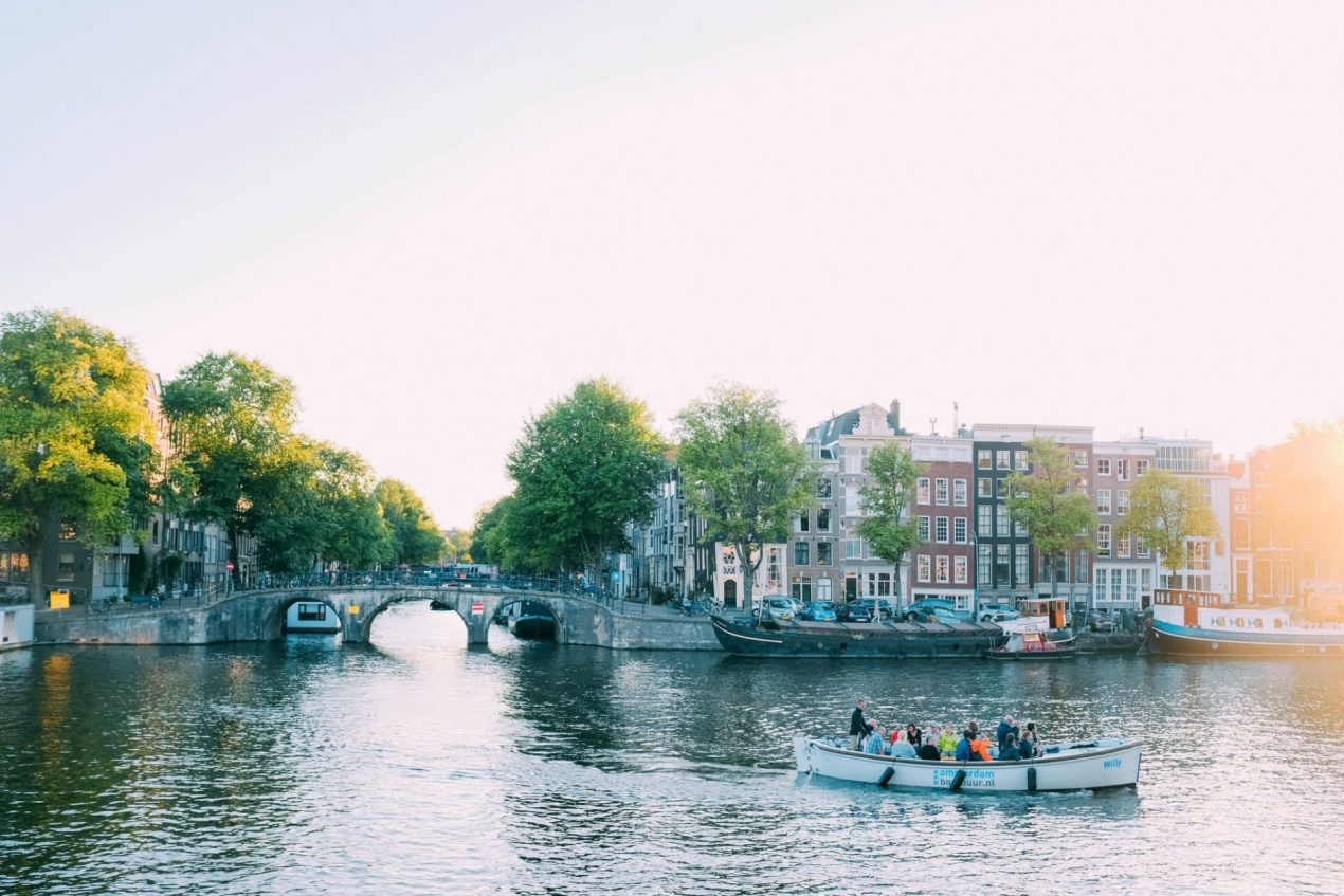 best budget hotels in amsterdam city centre