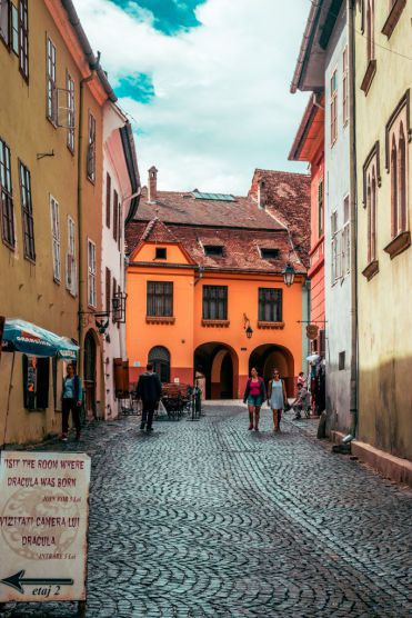 Sighisoara-dracula-home-2