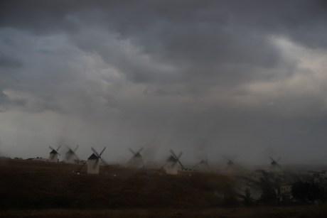 España, provincia de Ciudad Real, Campo de Criptana. El cerro de los molinos.Spain, Ciudad Real province, Campo de Criptana village. Windmills.© Navia