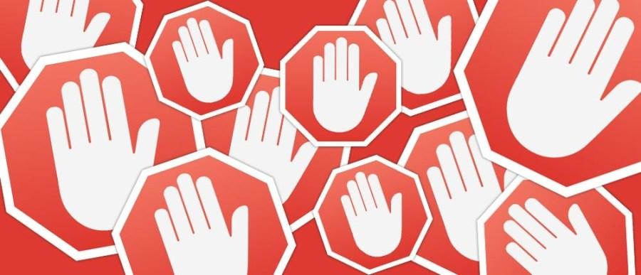 AdBlock è un add-on pensato per bloccare annunci pubblicitari, specie e soprattutto su mobile. Il suo uso costringe i venditori a ripensare alle loro strategie