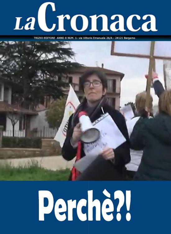 La cronaca - Risparmiatori Banca Etruria manifestano sotto casa del ministro Boschi
