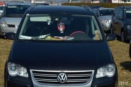 12 Polizei. DA bleibt nur zu hoffen es gibt keinen Beifahrer Airbag.