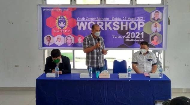 Kadis Pora Tonny Mamahit Buka Workshop Askot PSSI Manado