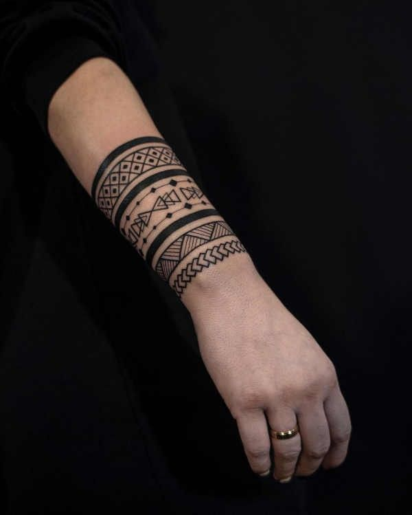 armband tattoo meaning