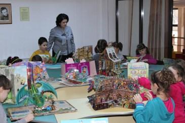 """Activitatea """"Cartea în format tridimensional"""", organizată la Secţia pentru copii, Biblioteca Judeţeană """"Petre Dulfu"""" Baia Mare, Maramureş – 22 februarie 2016"""