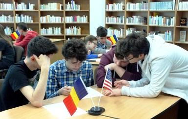 """Concursul Geografia SUA desfăşurat la Biblioteca Judeţeană """"Octavian Goga"""" Cluj la 22 aprilie 2016, iniţiat şi organizat de bibliotecar Georgeta Dodu"""