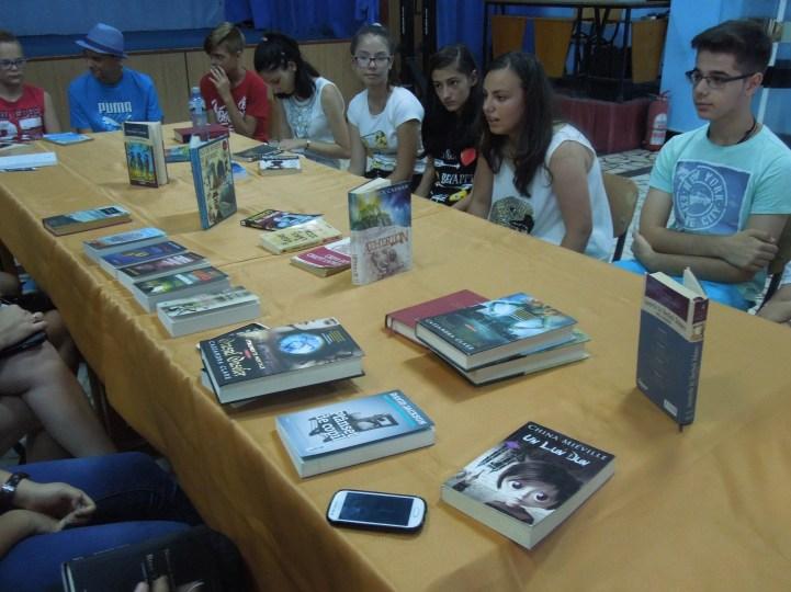 Clubul de lectură al adolescenţilor în cursul anului 2016 la Biblioteca Municipală Medgidia, bibliotecar şi responsabil Asan Neugis