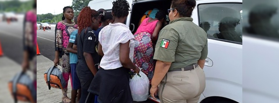 Deporta INM a 132 migrantes hondureños que ingresaron en caravana a  Tapachula
