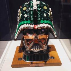 Darth Vader feito de materiais recicláveis!