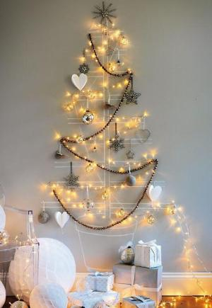 Fairy lights Christmas Tree | 10 Last Minute DIY Christmas Decorations | Expressing Life