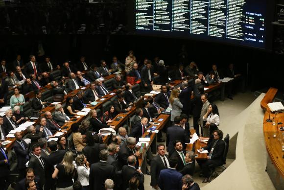 Saiba o que mudou no pacote anticorrupção aprovado pela Câmara