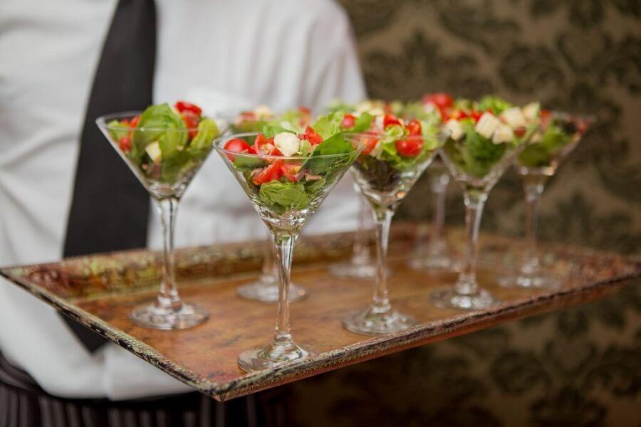 expresso gourmet casamento na praia servico volante saladinhas Casamento na Praia: 5 Segredos de Sucesso