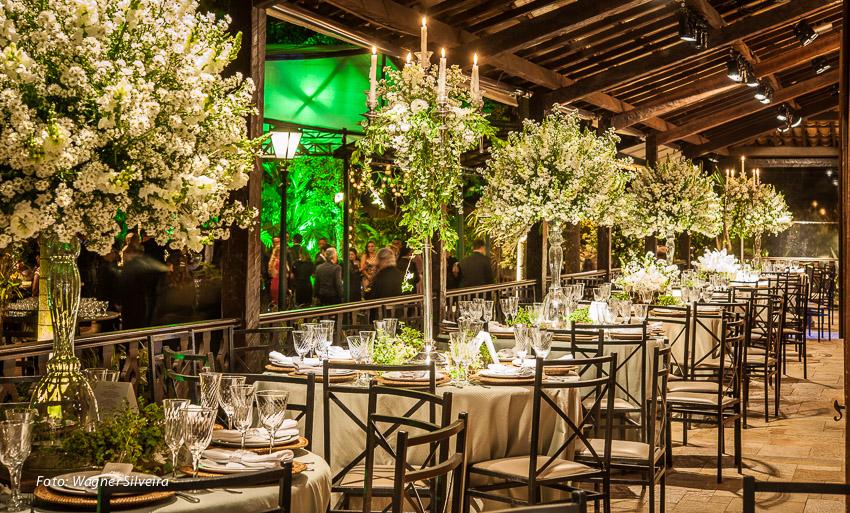 expressogourmet decoracao casamento classico corredor mesas e arranjos Decoração de Casamento Clássica na Casa da Fazenda