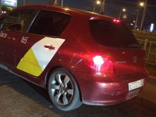 Peugeot 307 2007, красный, С165КР55