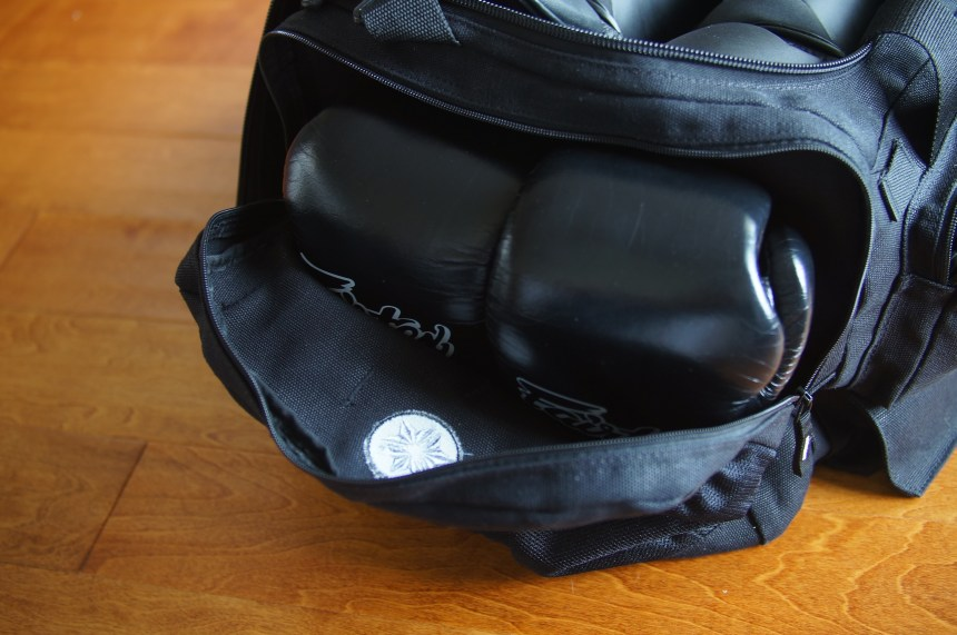 160z gloves in Datsusara Gear Bag Core side compartment