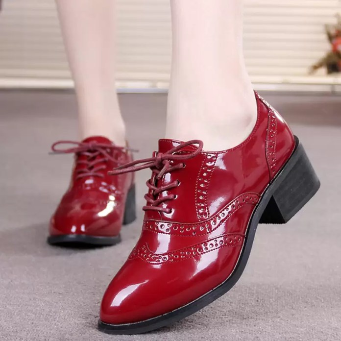 2015-Spring-Autumn-Oxford-Shoes-for-Women-Brogues-Lace-Up-Patent-Leather-Ladies-Casual-Flats-Oxfords