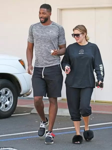 Did you know? Khloe is having a baby boy! 2